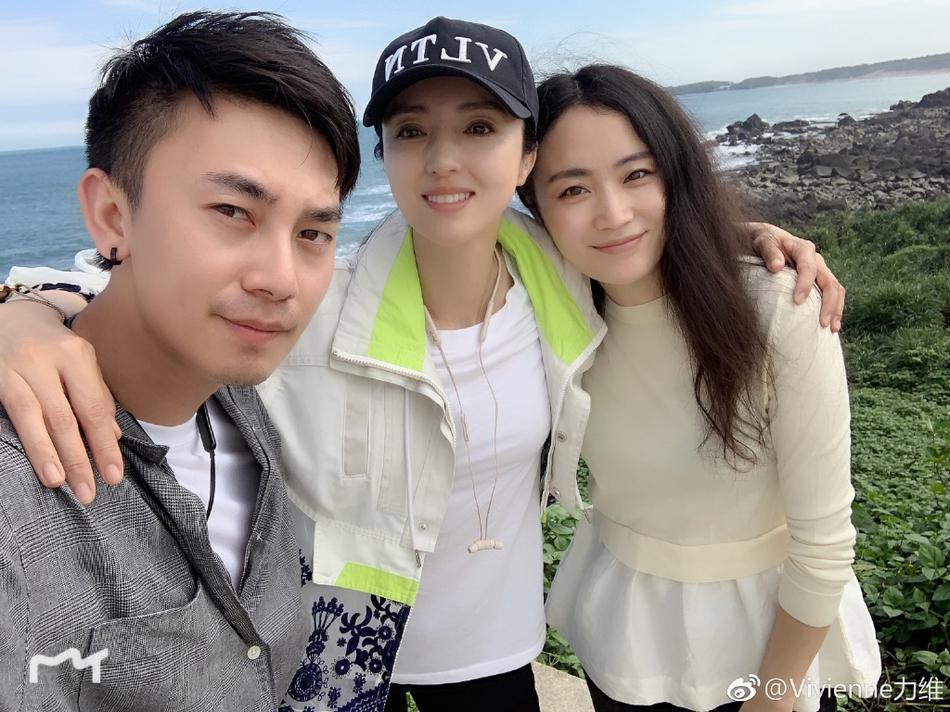 Cao Vân Tường tiều tụy vì hầu tòa án cưỡng dâm, bà xã Đổng Tuyền vẫn vui vẻ check-in du lịch-1
