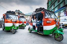 Trải nghiệm tuk tuk - loại xe 3 bánh chở khách phổ biến ở Ấn Độ