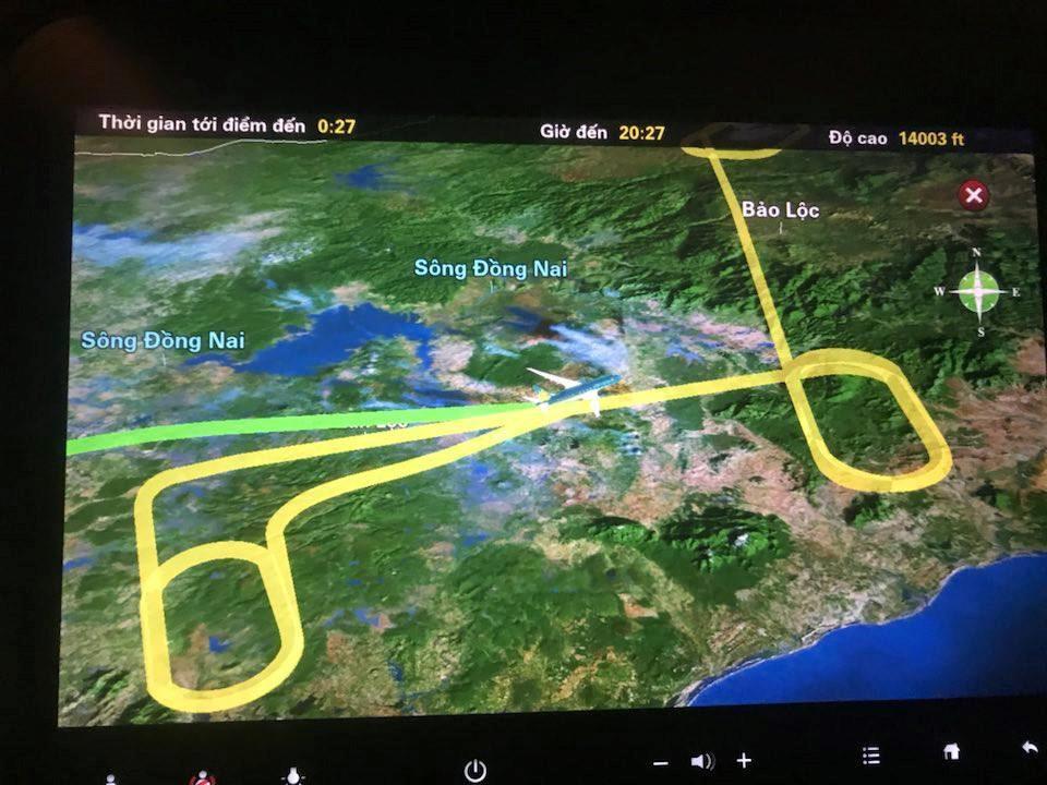 Nước mắt và nỗi sợ hãi của hành khách bay qua bão số 9-1