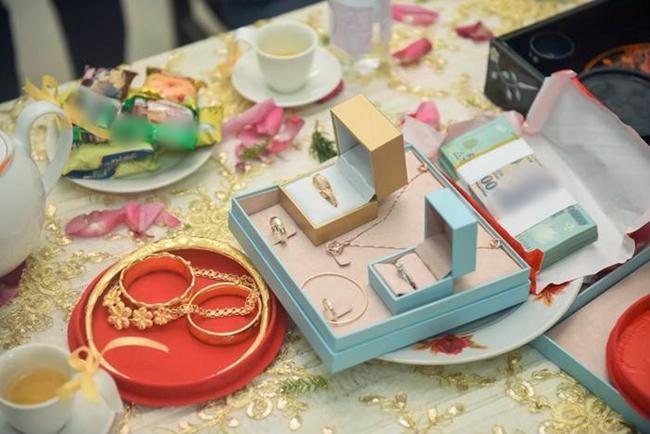 Đọ của hồi môn toàn vàng ròng, xế hộp bạc tỷ: Choáng với quà khủng của mỹ nhân chuyển giới-2