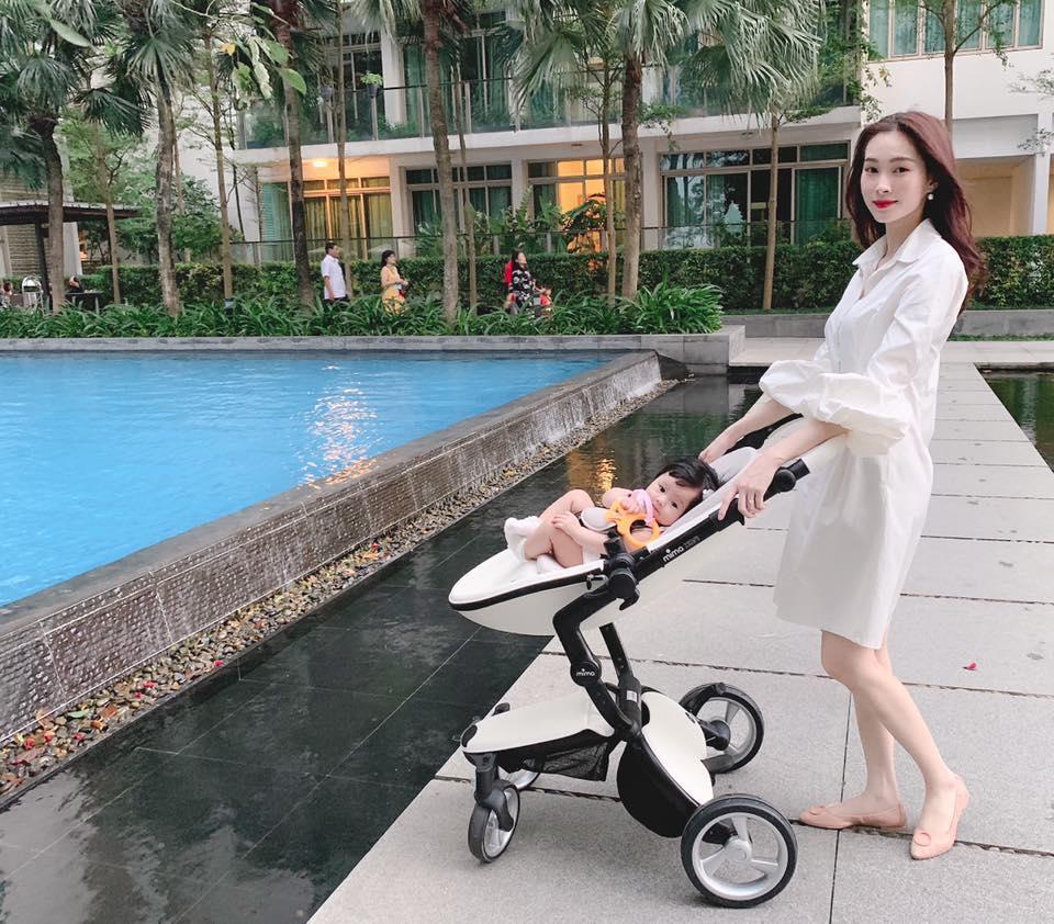 Hoa hậu Đặng Thu Thảo bật mí loạt thói quen đáng yêu của ái nữ 8 tháng tuổi khiến bà mẹ nào cũng ham phát hờn-3