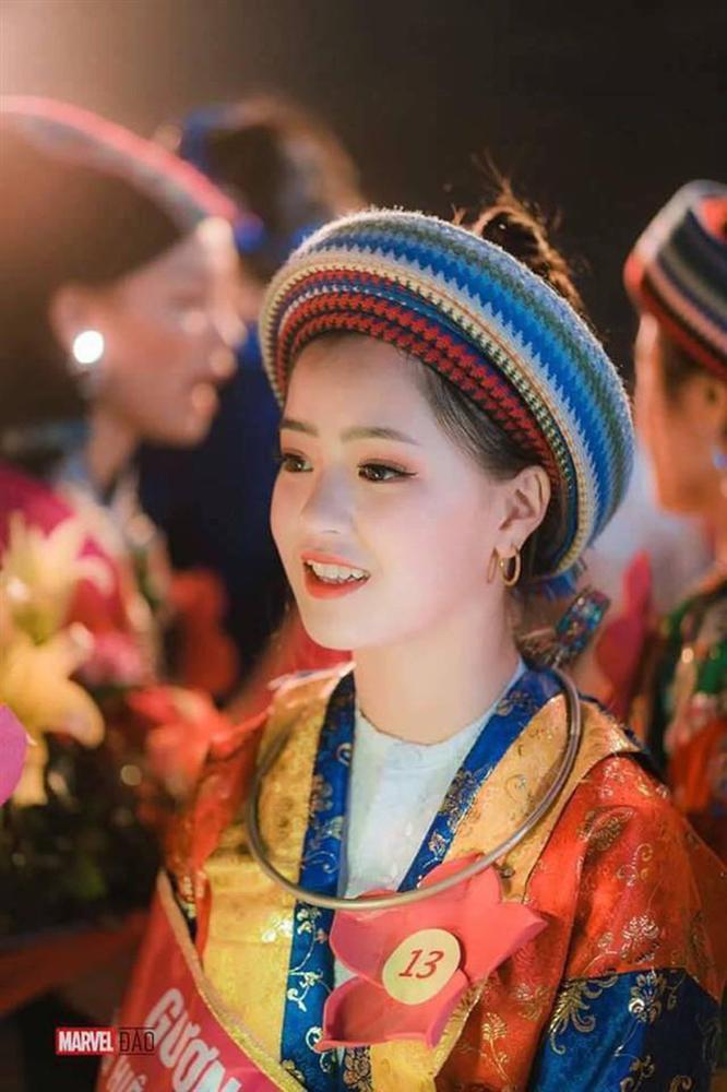 Em gái bán lê gây sốt ngày nào nay rực thắm vạn người mê khi xuất hiện ở Lễ hội hoa tam giác mạch-3