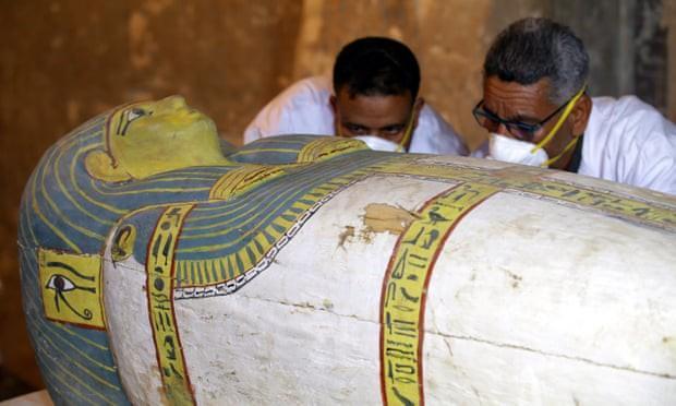 Ai Cập mở nắp quan tài chứa xác ướp người phụ nữ còn nguyên vẹn suốt 3.000 năm-2
