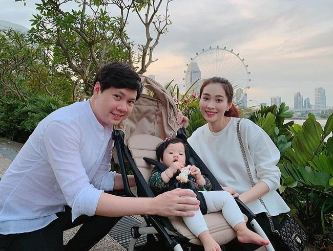 Hoa hậu Đặng Thu Thảo bật mí loạt thói quen đáng yêu của ái nữ 8 tháng tuổi khiến bà mẹ nào cũng ham phát hờn-1