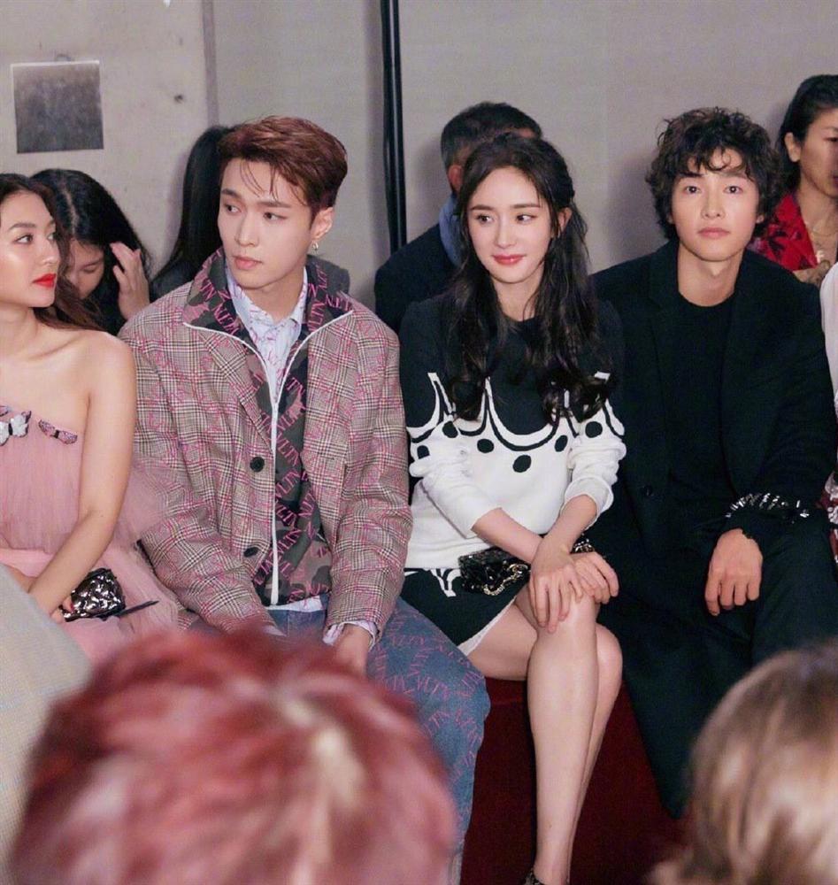 Song Joong Ki mặt gầy vêu, má tóp khi để kiểu tóc xù mì style bà thím giống Sơn Tùng M-TP, Tiên Tiên-1