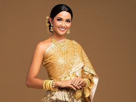 H'Hen Niê khoe nhan sắc hút hồn với quốc phục Thái Lan và gửi lời chào tới Miss Universe 2018