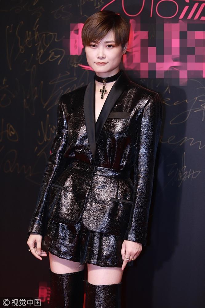 Thảm đỏ Cosmo: Hoàng hậu Tần Lam đẹp nổi bật, làm lu mờ loạt mỹ nhân từ Dương Mịch đến Đường Yên-9