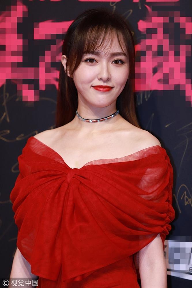 Thảm đỏ Cosmo: Hoàng hậu Tần Lam đẹp nổi bật, làm lu mờ loạt mỹ nhân từ Dương Mịch đến Đường Yên-3