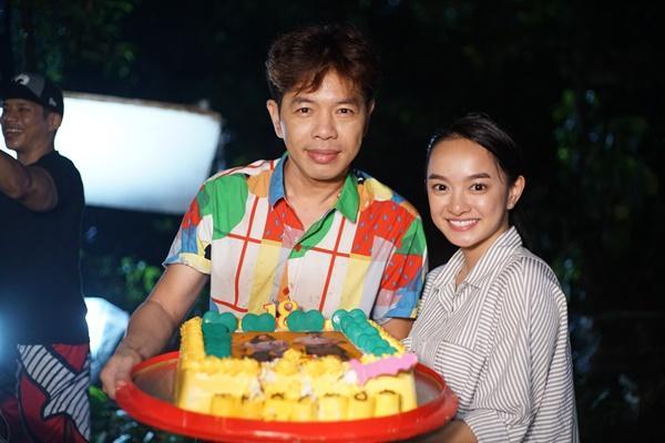 Thái Hòa dạy Kaity Nguyễn cười như con cá trong Hồn Papa Da Con Gái-2