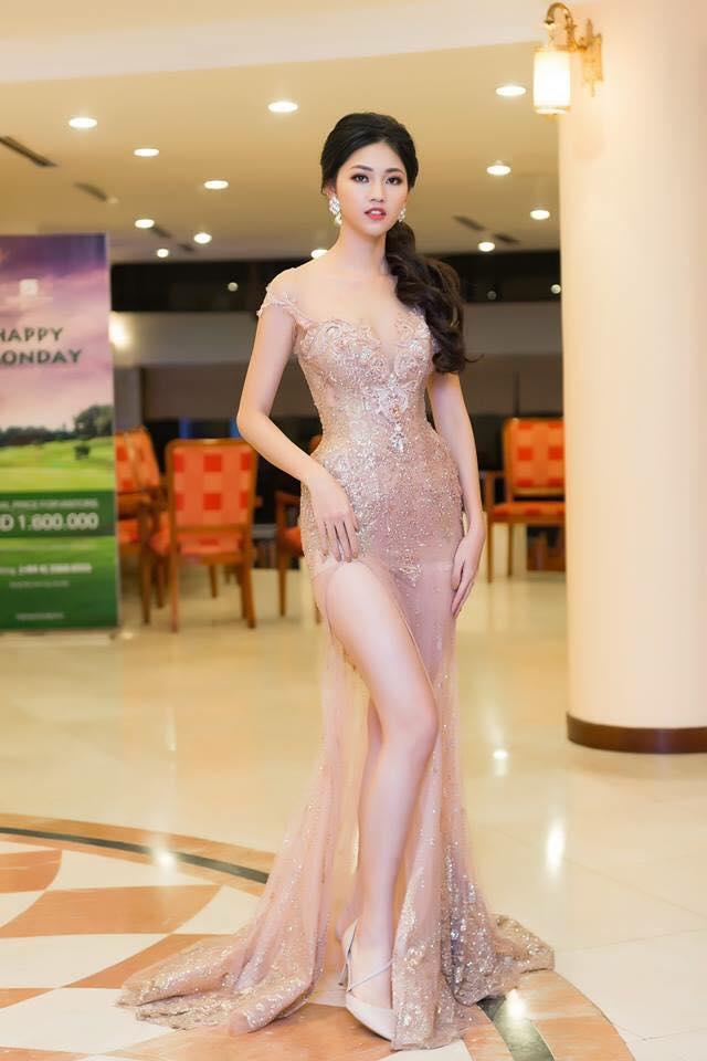 Váy cưới thì kín đáo thế thôi, bình thường á hậu Thanh Tú cực kỳ thích váy xẻ đùi cao tít tắp khoe đôi chân cực phẩm - ảnh 6