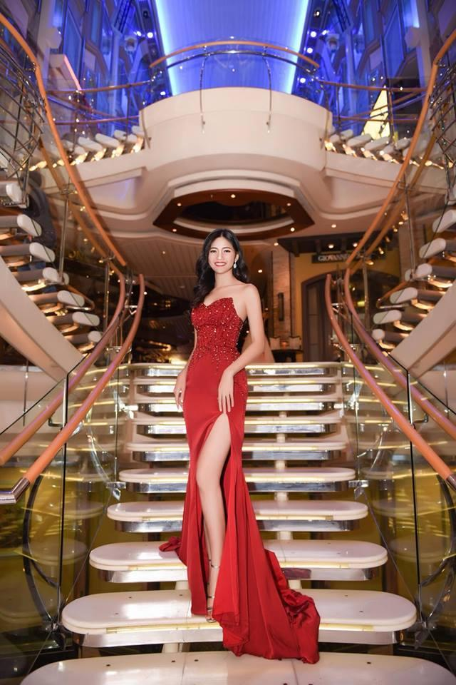 Váy cưới thì kín đáo thế thôi, bình thường á hậu Thanh Tú cực kỳ thích váy xẻ đùi cao tít tắp khoe đôi chân cực phẩm - ảnh 9