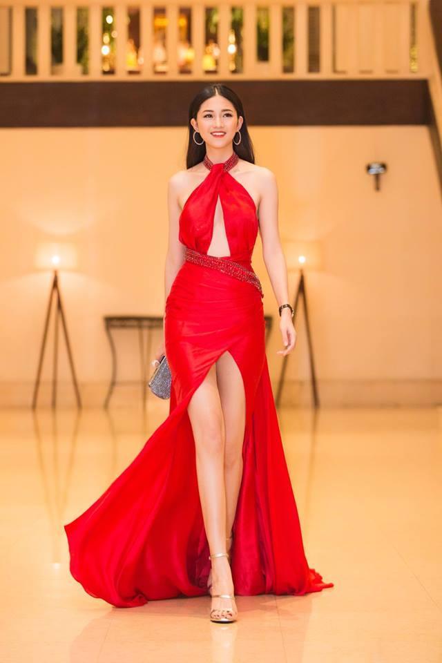Váy cưới thì kín đáo thế thôi, bình thường á hậu Thanh Tú cực kỳ thích váy xẻ đùi cao tít tắp khoe đôi chân cực phẩm - ảnh 5