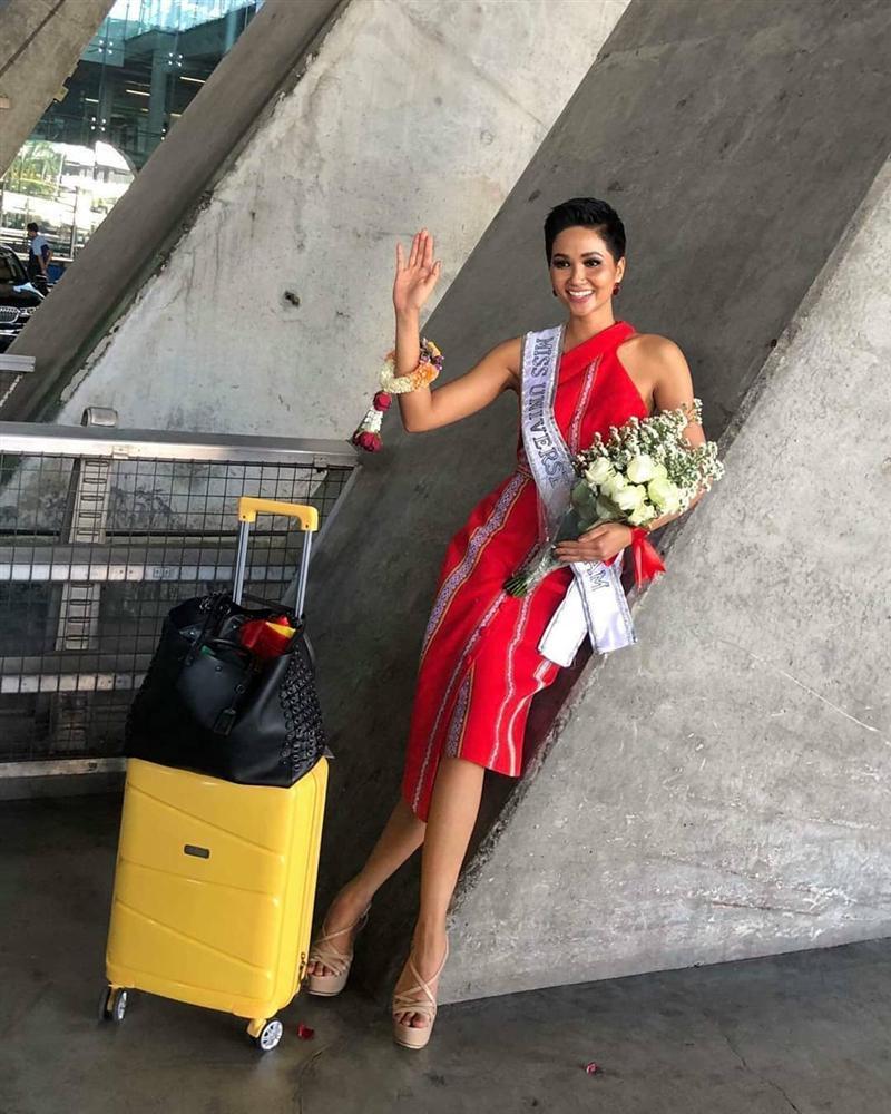 HHen Niê tạo dáng điên đảo tại sân bay Bangkok, mỹ nữ Philippines được chào đón như nữ hoàng-3