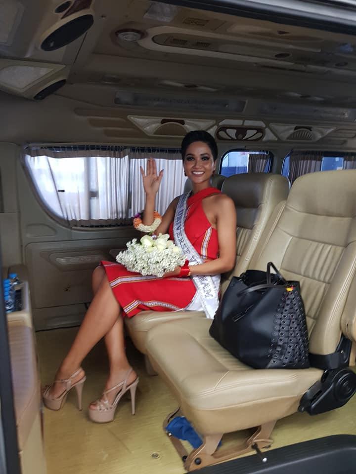HHen Niê tạo dáng điên đảo tại sân bay Bangkok, mỹ nữ Philippines được chào đón như nữ hoàng-5