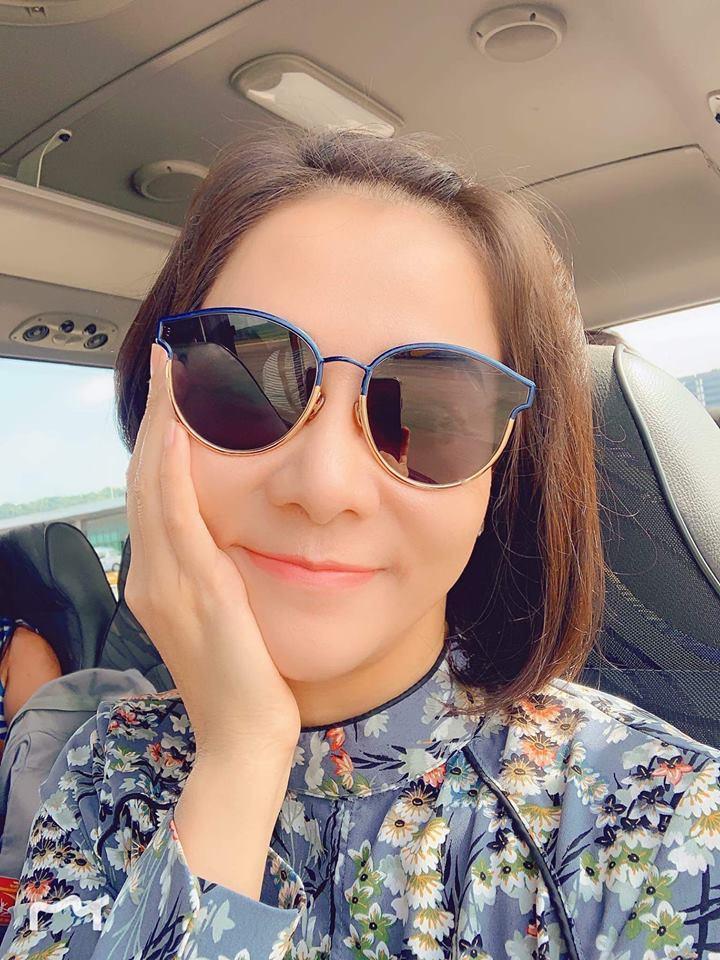 Tăng Thanh Hà được khen trẻ như nữ sinh trung học-5