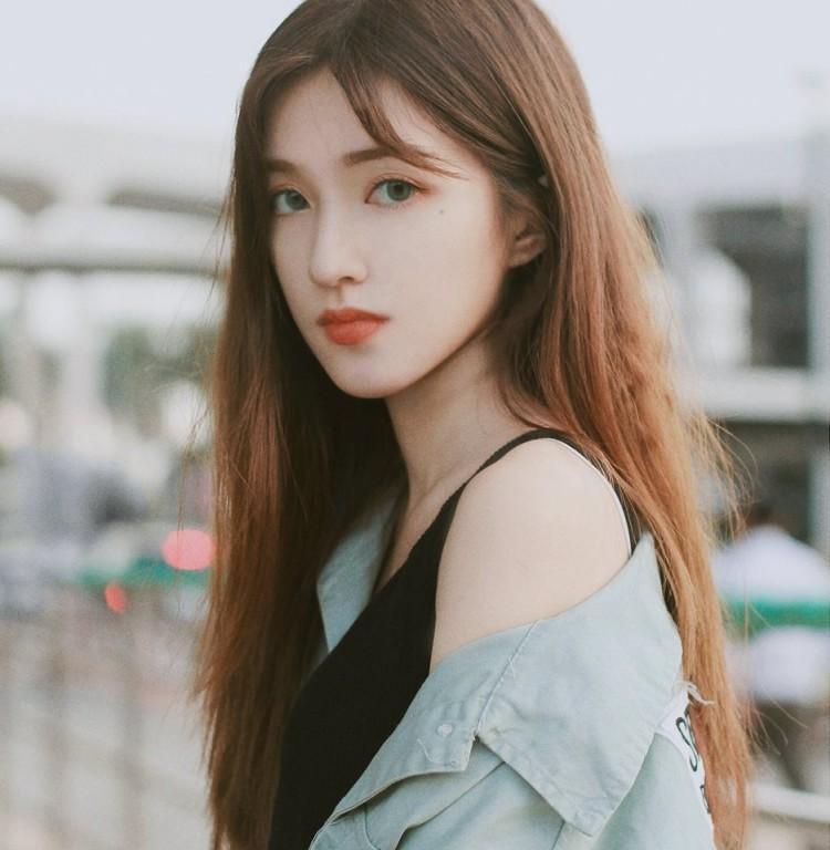 Mặc đồ hanbook, cô nàng sở hữu lượng follow khủng nhận về hàng tá câu hỏi lạ-6