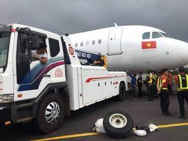 Tìm thấy bánh máy bay VietJet gặp sự cố cách đường băng 100 m