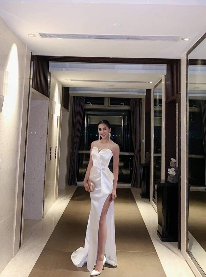Hà Anh Tuấn - Hoàng Oanh lên đồ bắt cặp - Tiểu Vy chiều fan với gam trắng tinh khôi ĐẸP NHẤT thảm đỏ tuần qua-2