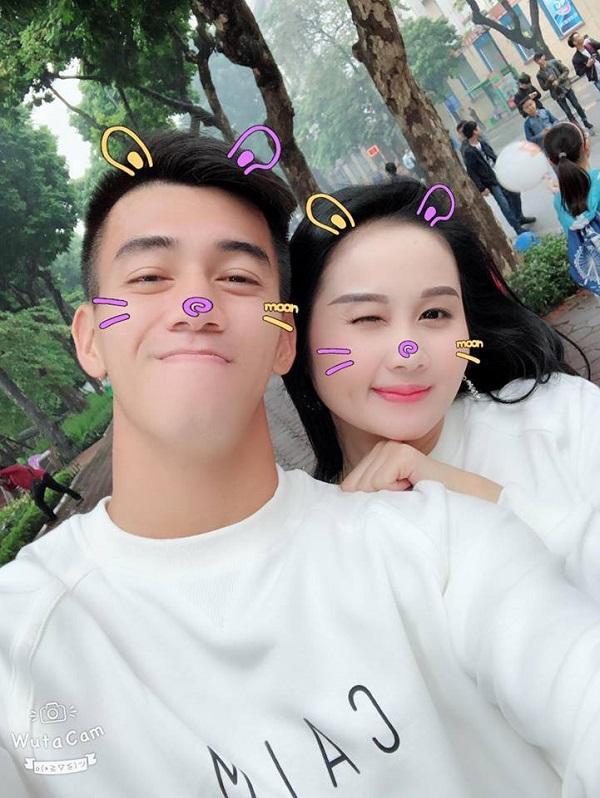 Chuyện tình ngọt ngào với những bóng hồng xinh đẹp của 5 cực phẩm đội tuyển Việt Nam-6