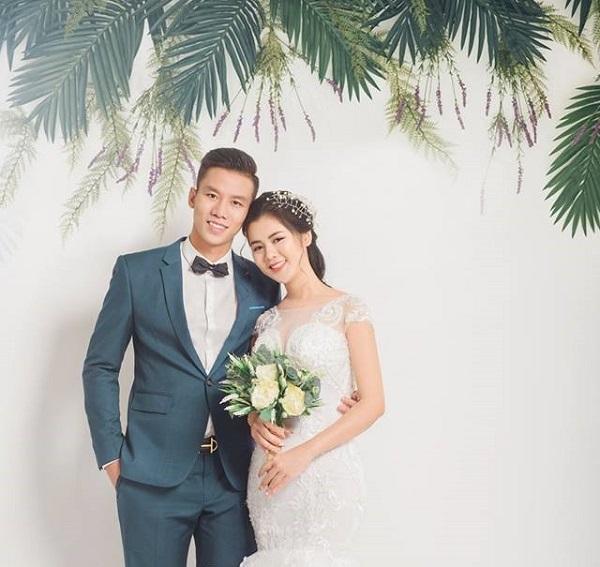 Chuyện tình ngọt ngào với những bóng hồng xinh đẹp của 5 cực phẩm đội tuyển Việt Nam-7