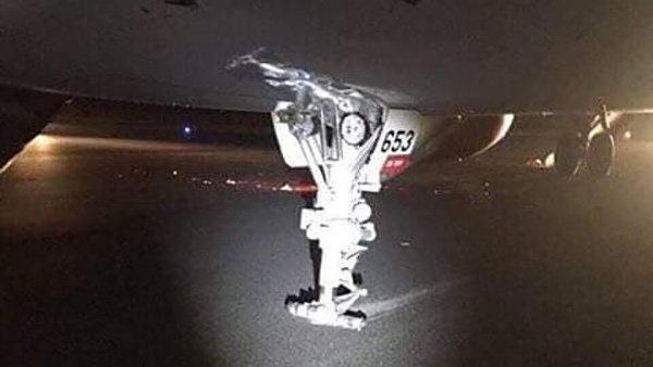 Thu giữ hộp đen máy bay Vietjet Air bị rơi lốp để điều tra-1