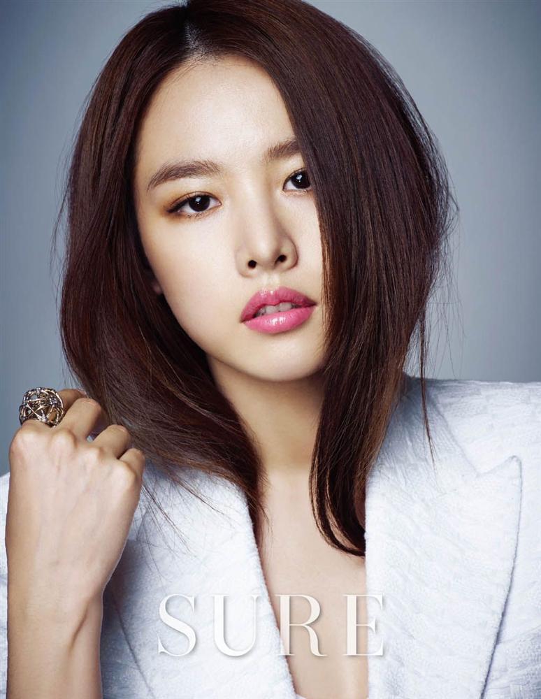 Cha của nữ diễn viên Kim Hee Sun đột ngột qua đời-7