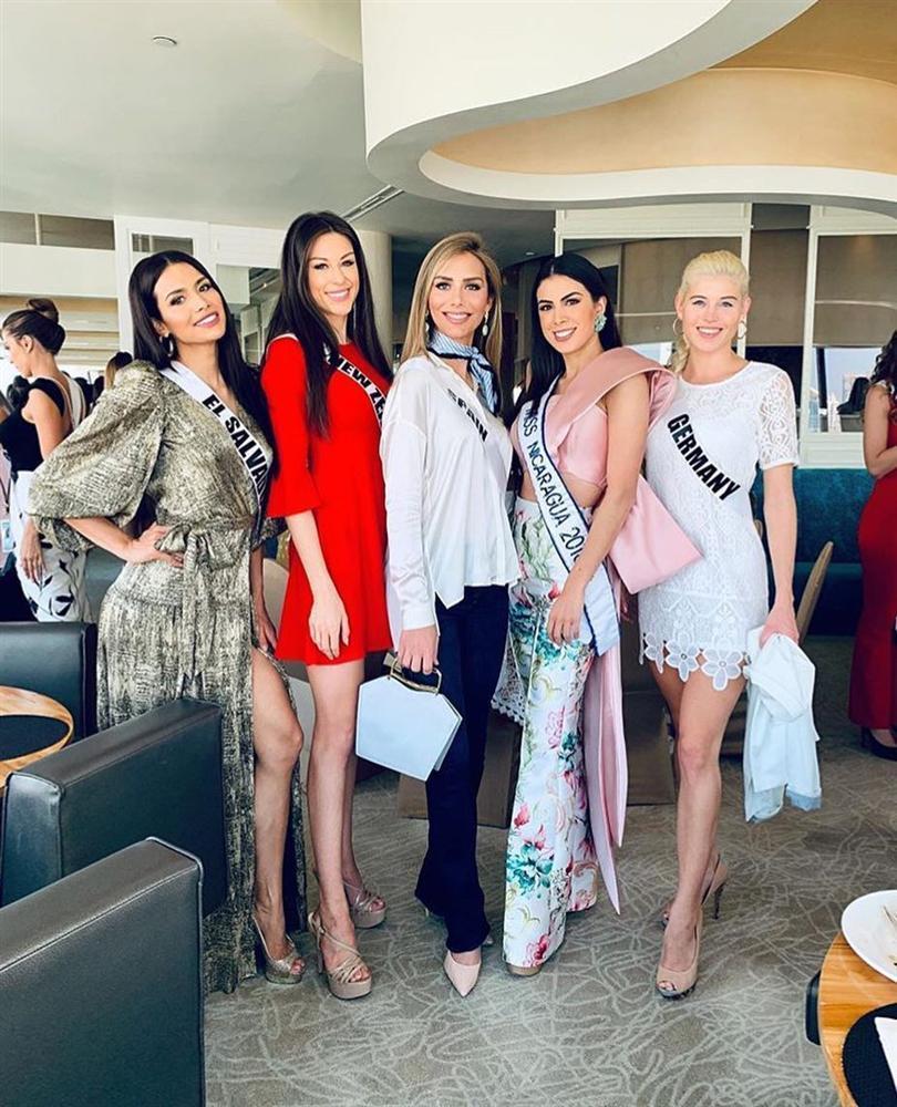 Bất ngờ với cách cư xử của HHen Niê và dàn mỹ nhân khi chạm mặt thí sinh chuyển giới tại Miss Universe 2018-8