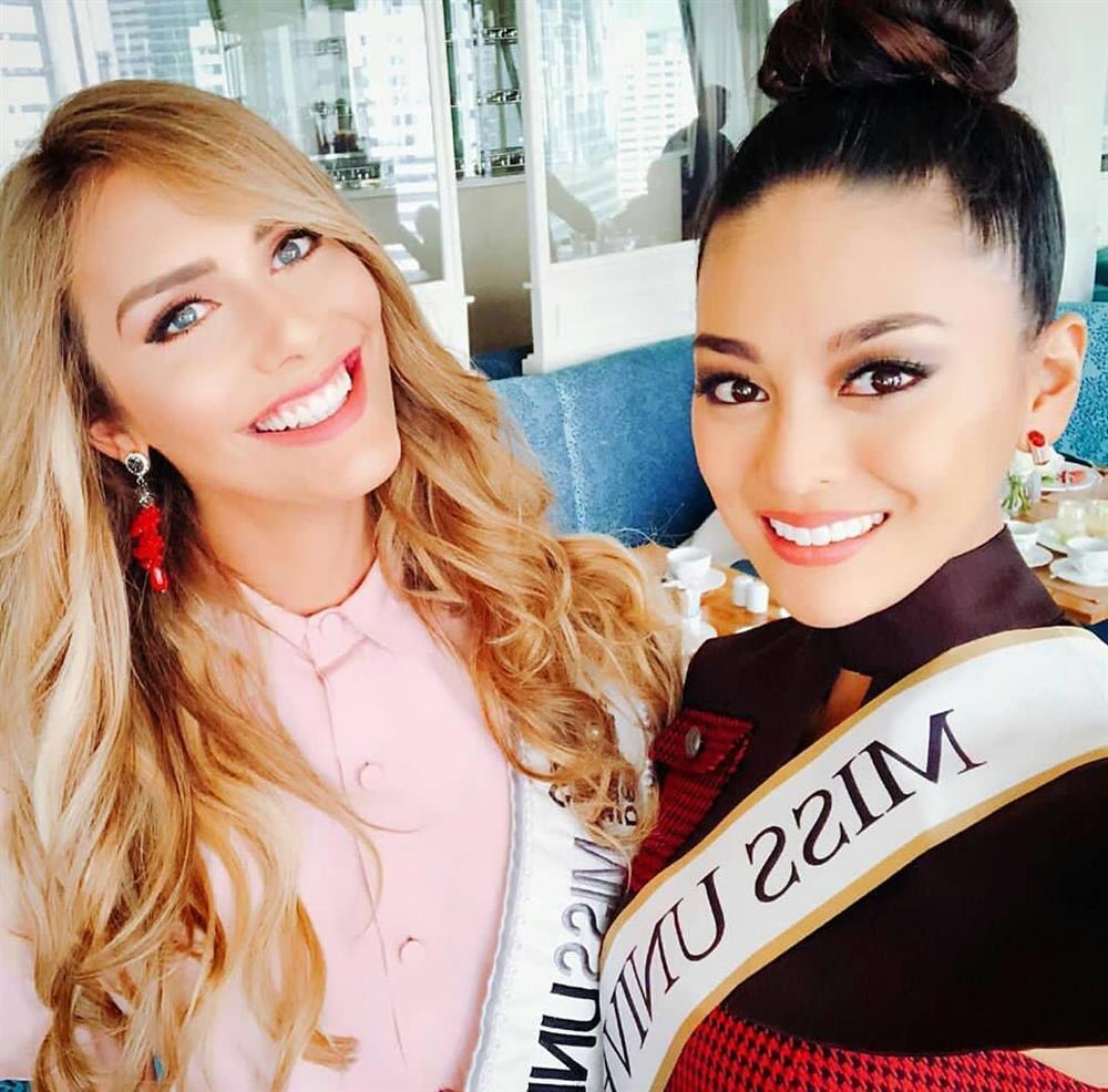 Bất ngờ với cách cư xử của HHen Niê và dàn mỹ nhân khi chạm mặt thí sinh chuyển giới tại Miss Universe 2018-9