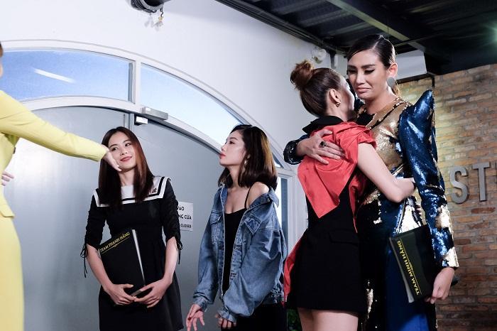 Muốn trả ơn Minh Hằng, Võ Hoàng Yến loại thẳng chị gái Nam Em ra khỏi The Face Vietnam 2018-12
