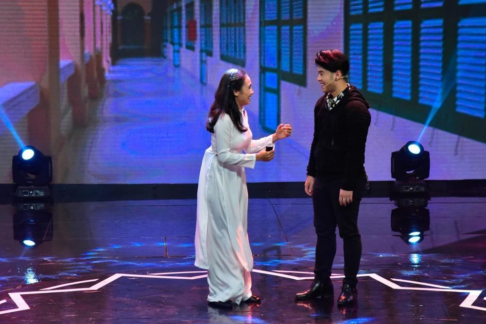 Việt Hương thót tim chứng kiến Hồ Bích Trâm cắn răng, cõng bạn diễn trên lưng để… nhảy dây-6