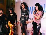 Những nữ ca sĩ Kpop liên tục vướng tranh cãi vì trang phục phản cảm-9