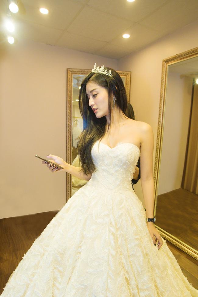 Lộ ảnh mặc váy cưới gây sốt của Á hậu Huyền My giữa nghi án chia tay thiếu gia đình đám Hà thành-2