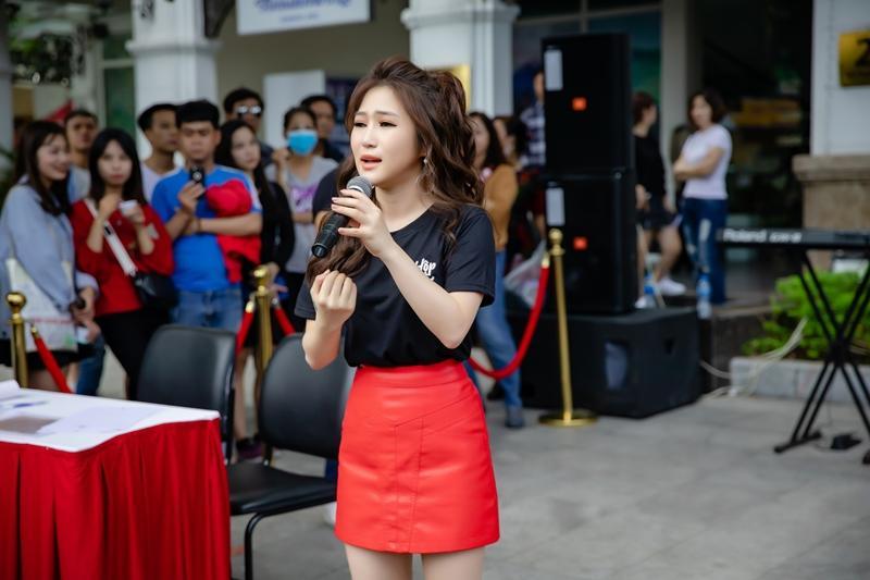Hương Tràm ngạc nhiên khi thấy đông đảo fan nhí đồng thanh hát Duyên mình lỡ-5