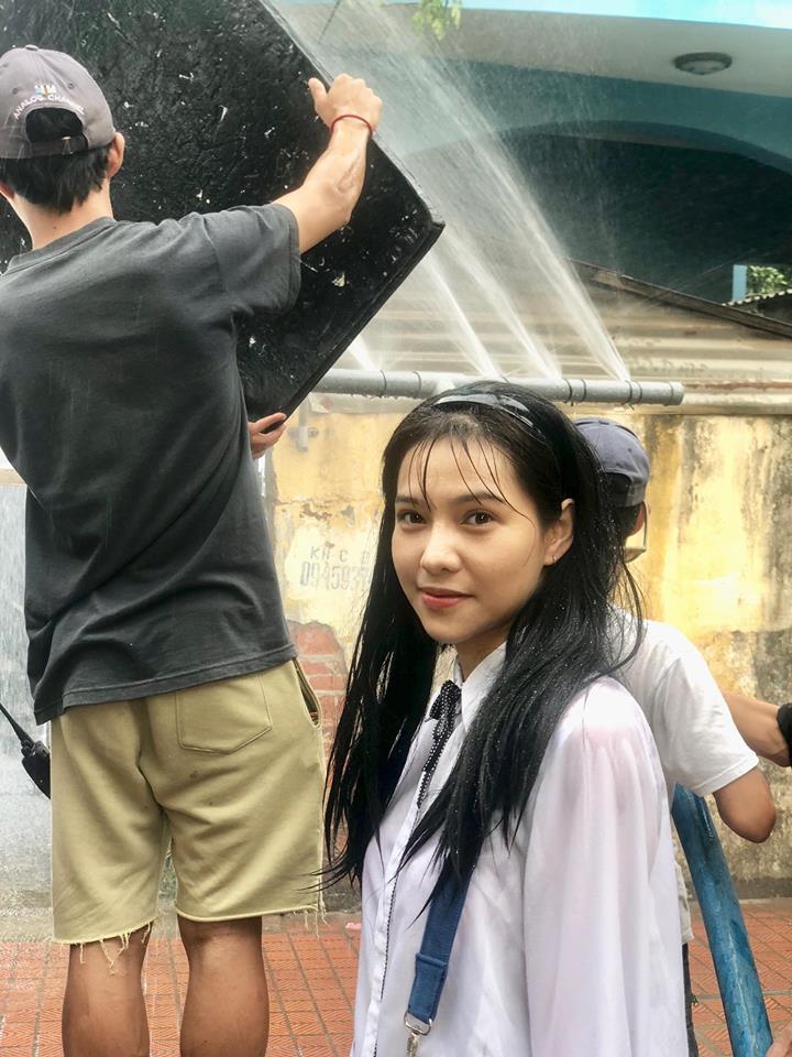 Trên phim Hai Lúa quê mùa, thế mà ngoài đời Lưu Đê Li sở hữu gu thời trang sexy hết cỡ-3
