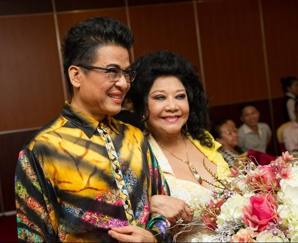 Đỡ không nổi gu thời trang hoa hòe hoa sói của MC Thanh Bạch ở tuổi 59-14