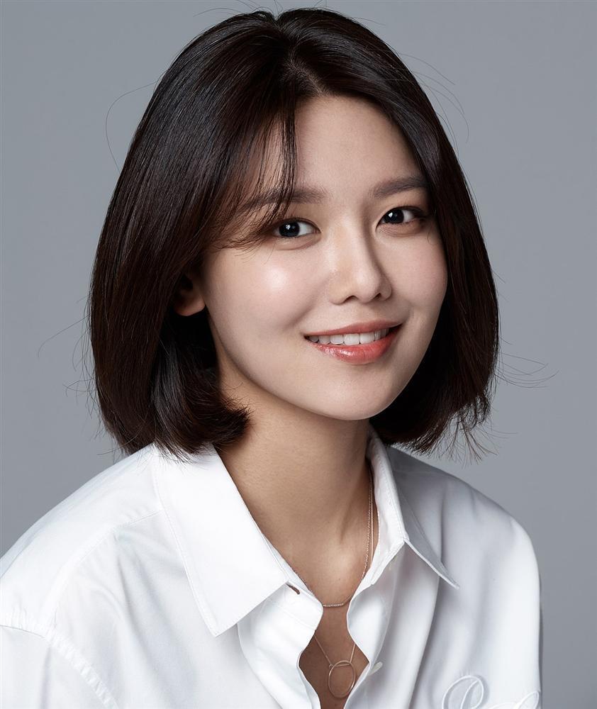 Người đẹp khóc Choi Ji Woo lần đầu tiên xuất hiện trên truyền hình sau khi kết hôn trai trẻ-8