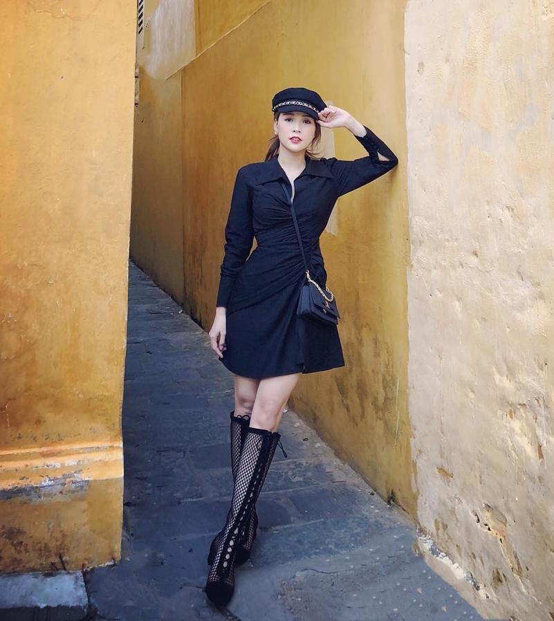 Thúy Vi đốt mắt với mốt quần short 15cm - Hòa Minzy diện đầm trắng thả thính trước tin đồn sắp lên xe hoa-7