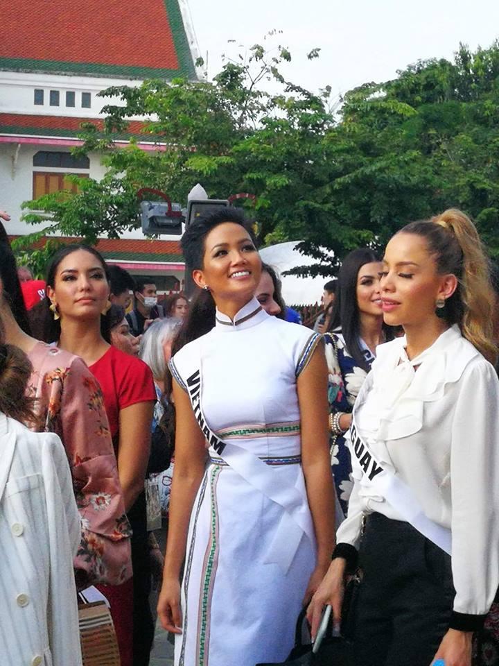 Bắn tiếng Thái khiến người dân phát cuồng, HHen Niê nổi bần bật giữa dàn mỹ nhân Miss Universe 2018-6