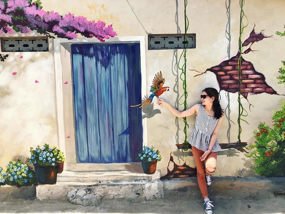 Check- in ngôi làng bích họa đẹp mộng mơ ở Quảng Bình-9