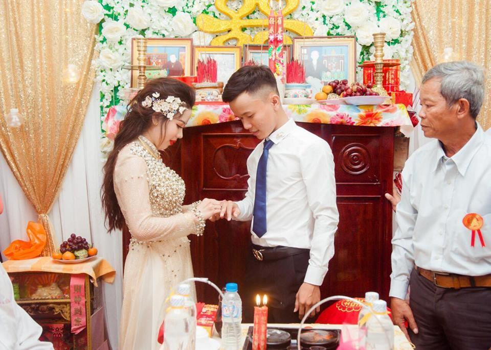Chàng trai 9X cưới được vợ đẹp nhờ một lần like dạo-4