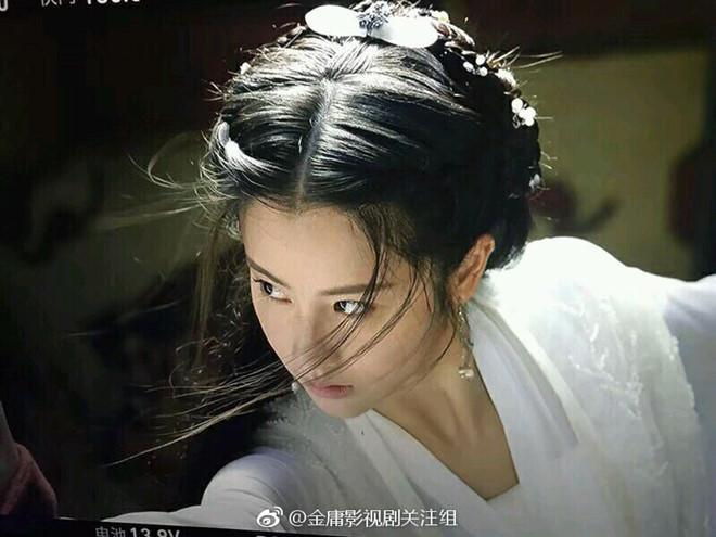 Bị chê thê thảm khi xuất hiện trên poster Thần điêu đại hiệp 2018, thực ra ngoài đời Tiểu Long Nữ rất xinh-4