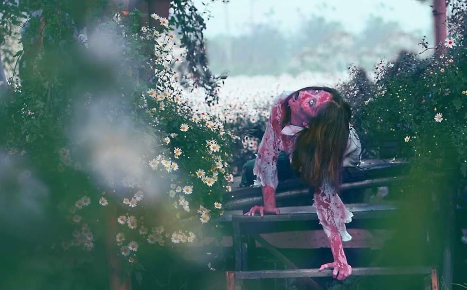 Xác sống vật vờ giữa vườn cúc họa mi, đố ai không sốc tận óc khi xem loạt khoảnh khắc này-3