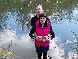 Nga: Chém chết vợ bầu vì bị nhắc không hút thuốc lá