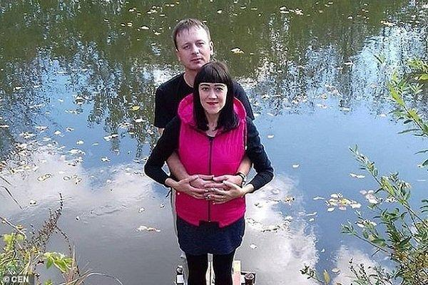 Nga: Chém chết vợ bầu vì bị nhắc không hút thuốc lá-1