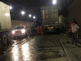 Tai nạn trong hầm đường bộ Hải Vân, ách tắc giao thông Bắc - Nam