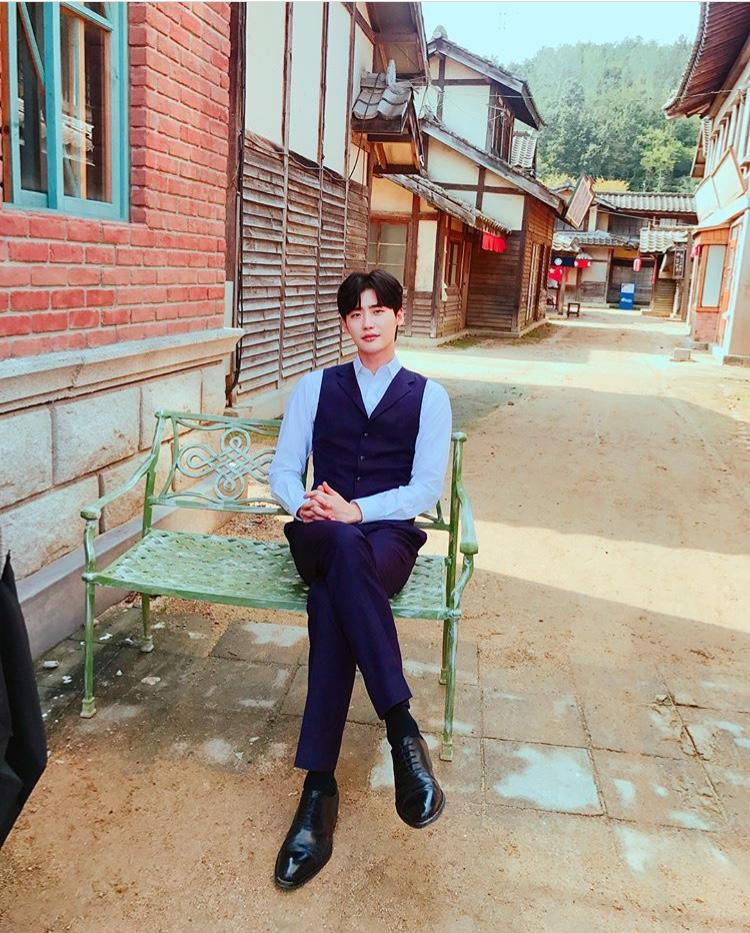 Chê nội dung phim Death Song thiếu sót, Lee Jong Suk bị chỉ trích thô lỗ và kiêu ngạo-1