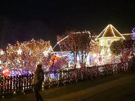 Nhà thôn quê nước Áo biến hóa trước Giáng sinh