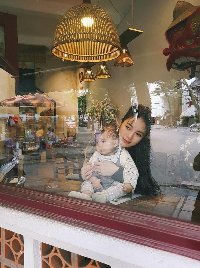 Huyền Baby khoe ảnh đọ sắc cùng chị và em gái, dân tình tấm tắc: Các cụ thân sinh quả thật khéo đẻ-14