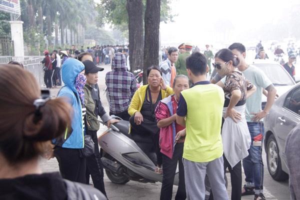 Trước trận bán kết Việt Nam - Philippines lượt về: Giá vé chợ đen tăng chóng mặt-1