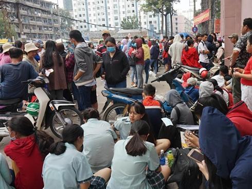 Trước trận bán kết Việt Nam - Philippines lượt về: Giá vé chợ đen tăng chóng mặt-3